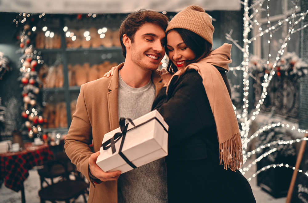 Happy Hug Day 2022 quotes and wishes