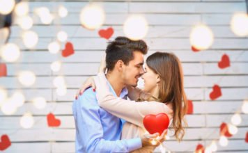 Happy Kiss Day 2022: Quotes and Wishes