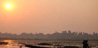 Lake Sunrise Silhouette Sun  - thatsilverlining / Pixabay